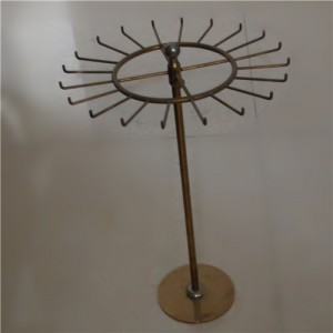 Earing Metal Stand